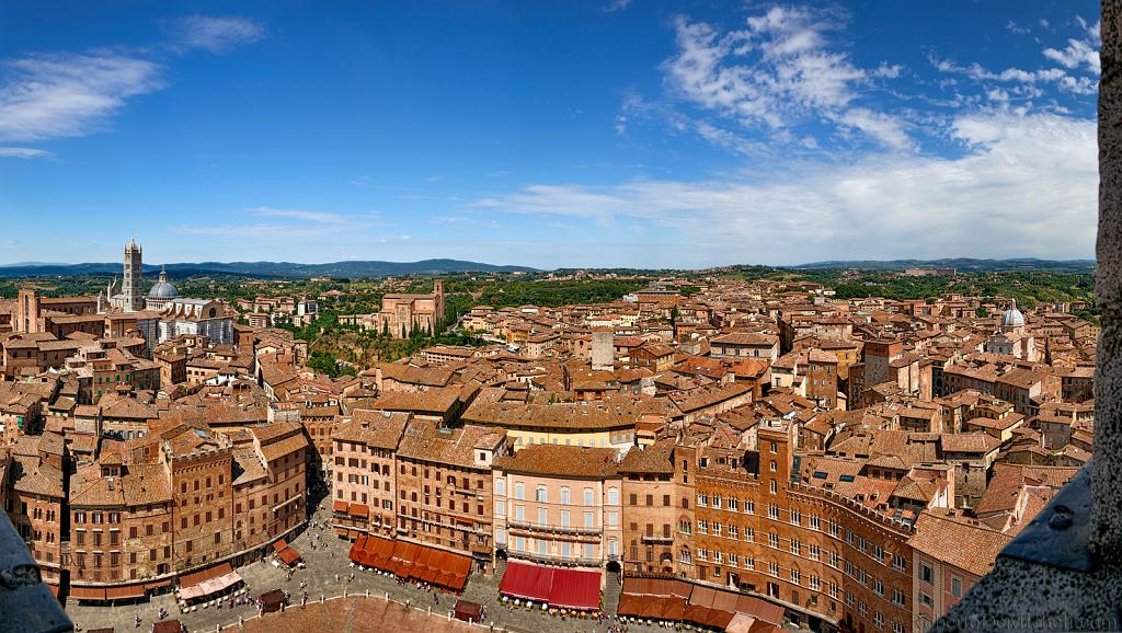 slides/IMG_4488P_1.jpg Italy, Tuscany, Siena, village, medieval, architecture, square, piazza, campo, tower, del mangia, palazzo, pubblico, history, sky, cloud, panorama, HDR IVC14 - Siena, Piazza del Campo from Torre del Mangia - Tuscany - Italy